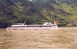 Schiff der Köln-Düsseldorfer auf dem Rhein